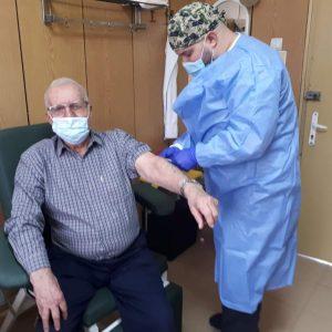 """""""Зелен коридор"""" в МБАЛ-Пазарджик с ваксината на Pfizer/BioNTech"""