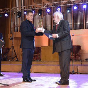 """Хари Харалампиев е носителят на Националната награда """"Константин Величков"""""""