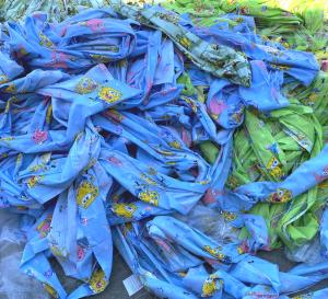 Хиляди метри плат, текстилни изделия и чанти бяха унищожени под контрола на ТД Тракийска