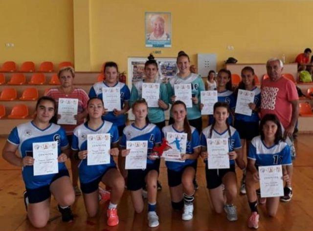 Панагюрските хандбалистки спечелиха мемориален турнир