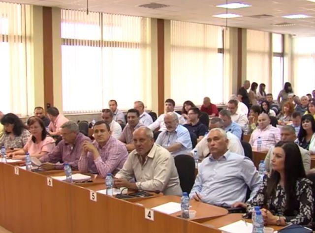 Петър Петров ще е кмет до избора на нов градоначалник