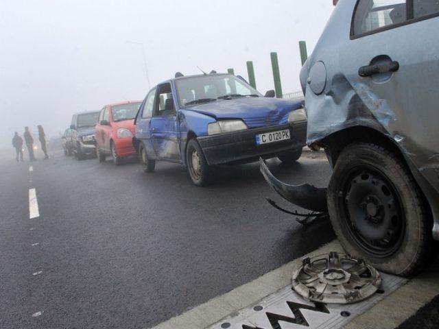 Удар между Опел и Ситроен прати в болница петима