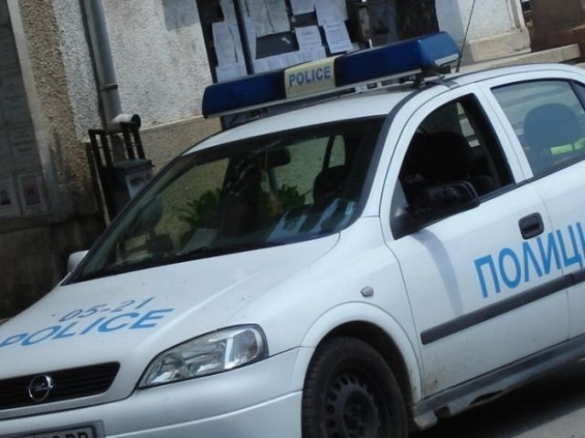 Постоянен арест за хлапе и мъж, пратили смъртник в ареста