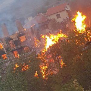Нова трагедия във велинградско: Изгоряха къщи в Биркова