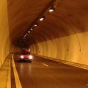 """Ограничения в тунел """"Траянови врата"""" в посока Бургас заради ремонт по осветителната система"""