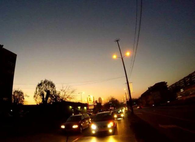В Община Пазарджик търсят кой да ремонтира 14 000 осветителни тела